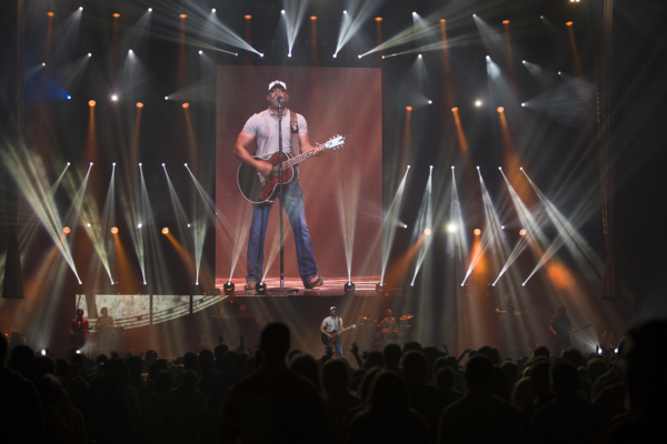 Darius Rucker concert. LP Photo Video. Omaha Photography.