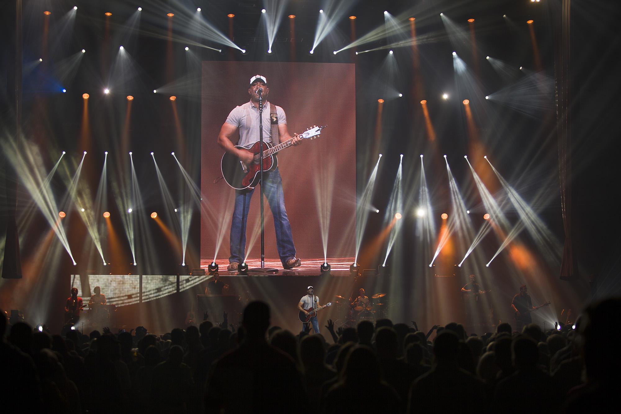 Darius Rucker concert. LP Photo Video. Omaha Photography.